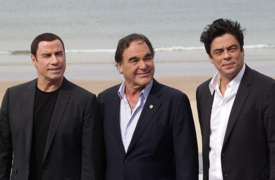 John Travolta, Oliver Stone & Benicio del Toro